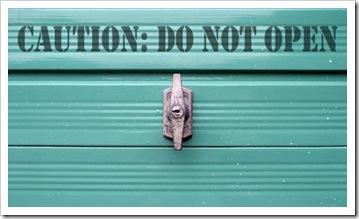 garage-door-do-not-open